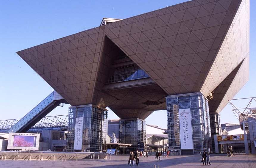 tokyo_international_exhibition_center__tokyo_big_sight_-1