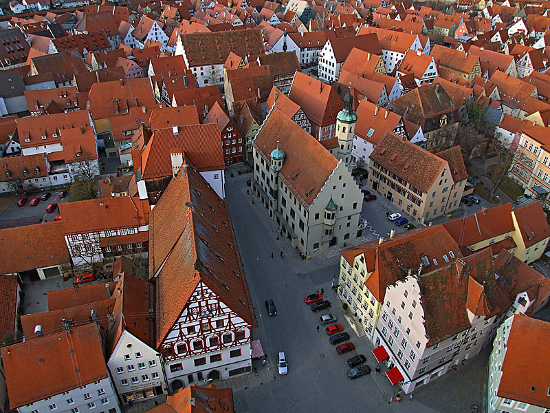 Noerdlingen_town_hall_from_Daniel